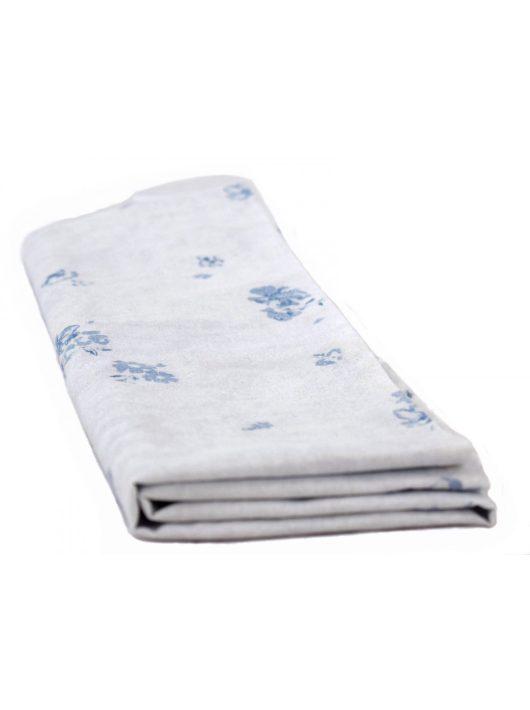 Fehér párnahuzat kék mintázattal